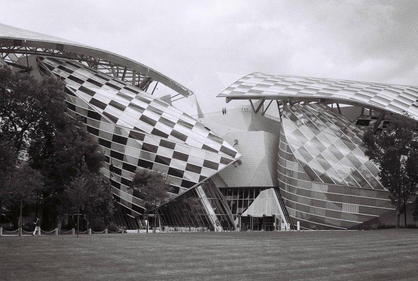 #architecture #sfx200 #trip35 #filmisnotdead #blackandwhite