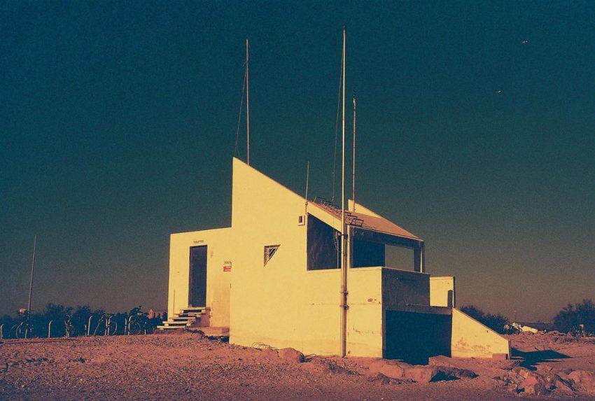 #nophotoshop #nofilter #filmisnotdead #filmphotography #35mm #retro #scifi #architecture #filmphotographic